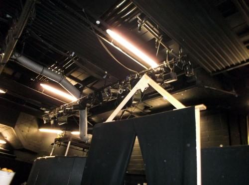 03 Backstage overhead