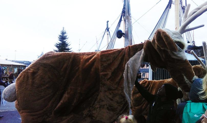 Victorian Christmas 07 - Giant Reindeer