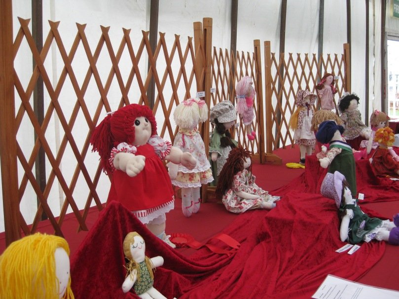 South of England Show Doll Class exhibits